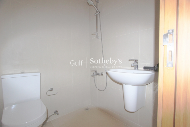 Spacious And Tidy 3 Bed In Al Jaz, Garden And Pool View Er R 3250