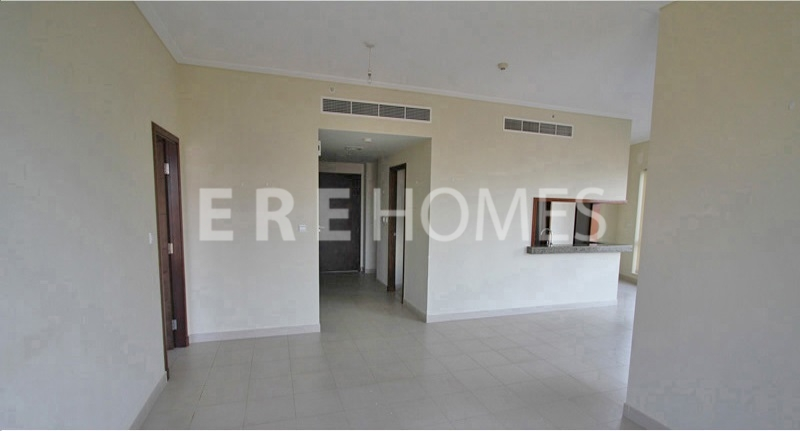 Beautiful Three Bedroom Apartment Southridge Downtown. Er R 12527