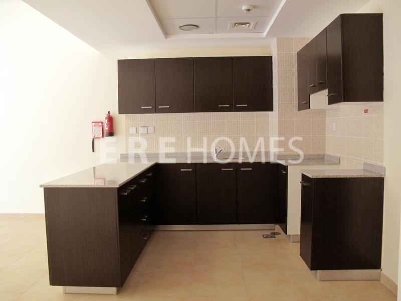 Great Large 1 Bed With Terrace, Brand New-Al Thamam Er-R-11120