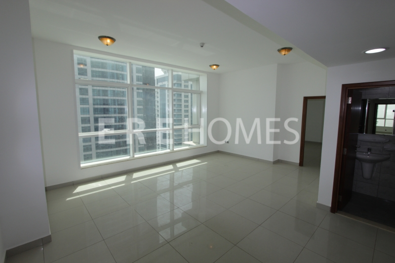 Unfurnished Three 3 Bedroom Apartment In Marina Pinnacle, Dubai Marina Er R 13958