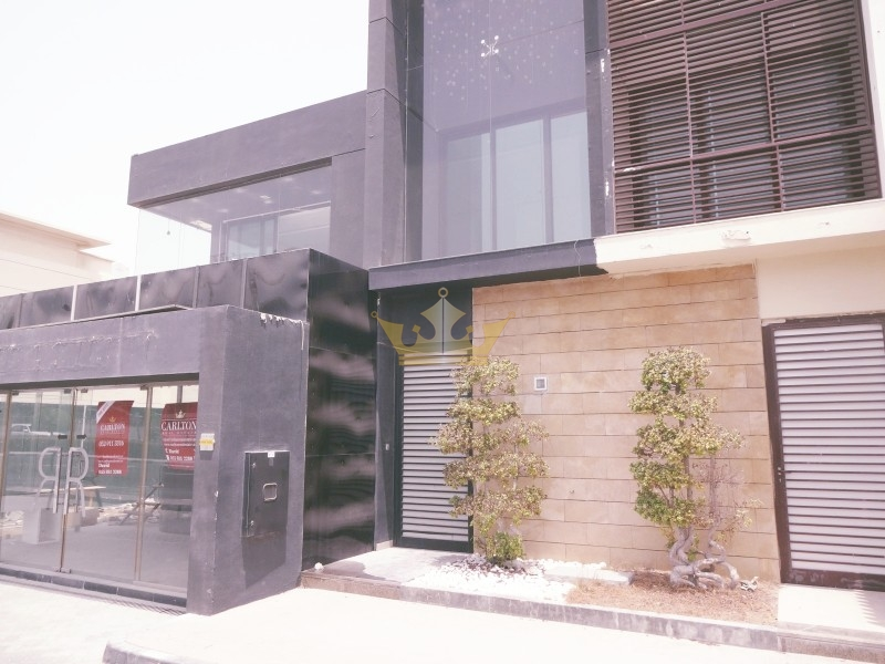 Commercial Villa in JUMEIRA 1 (AL WASL RD) for Rent.