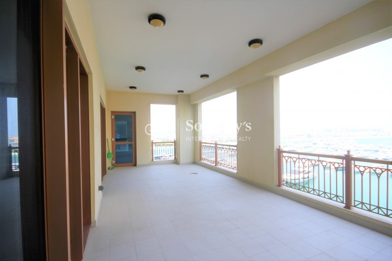 3 Bed Large Terrace Vacant Unfurnished