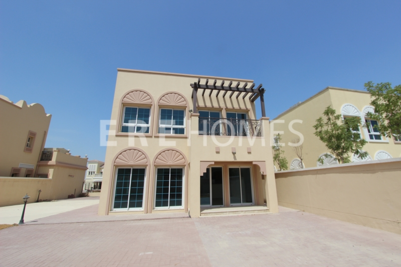 Two Bedroom Independent Villa In Dist 5 Available 1st Of Feb Er R 15612