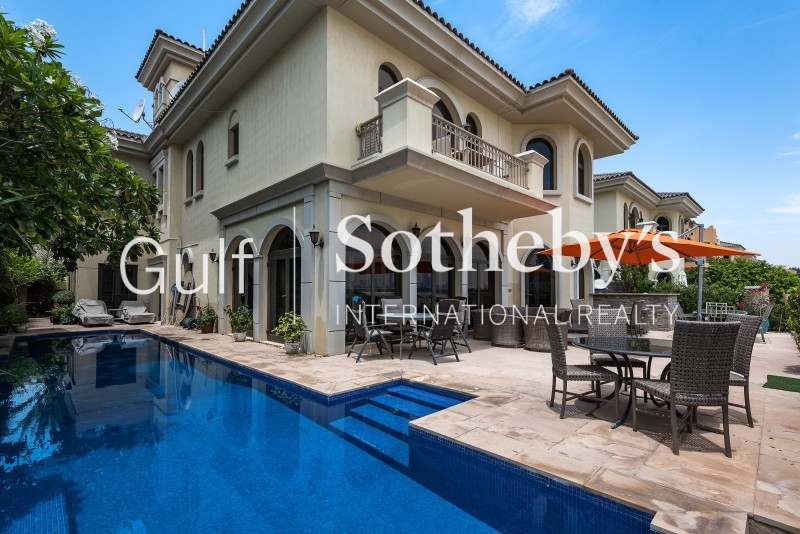 7 Bedroom Immaculate Signature Villa