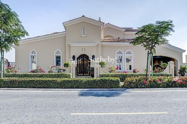 Vacant 5 Br 12'000 Sq. Ft. Family Villa In Emirates Hills Er S 8084