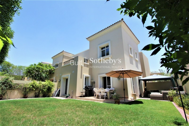 1e Villa Close To Pool, Available End July