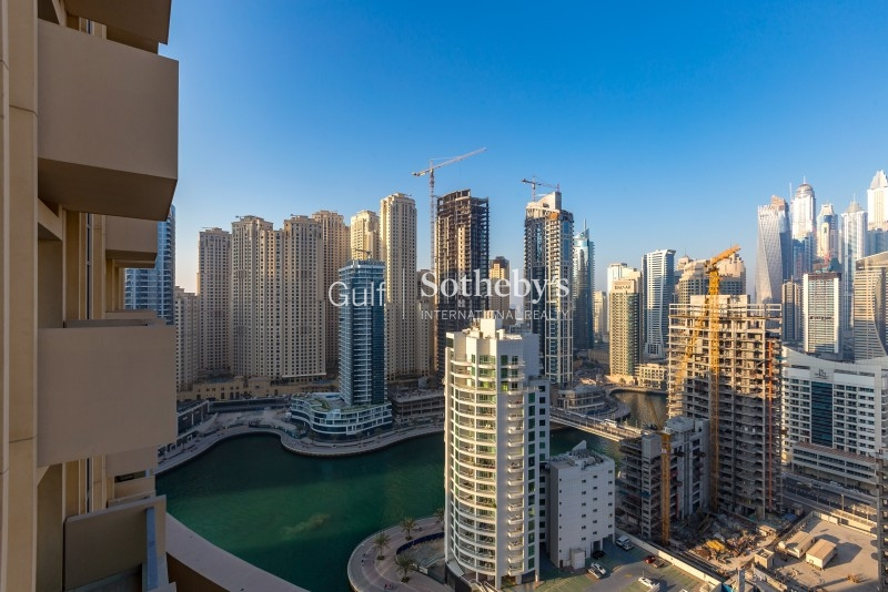 Large One Bed With Panoramic City Views, Wooden Flooring Er R 9876