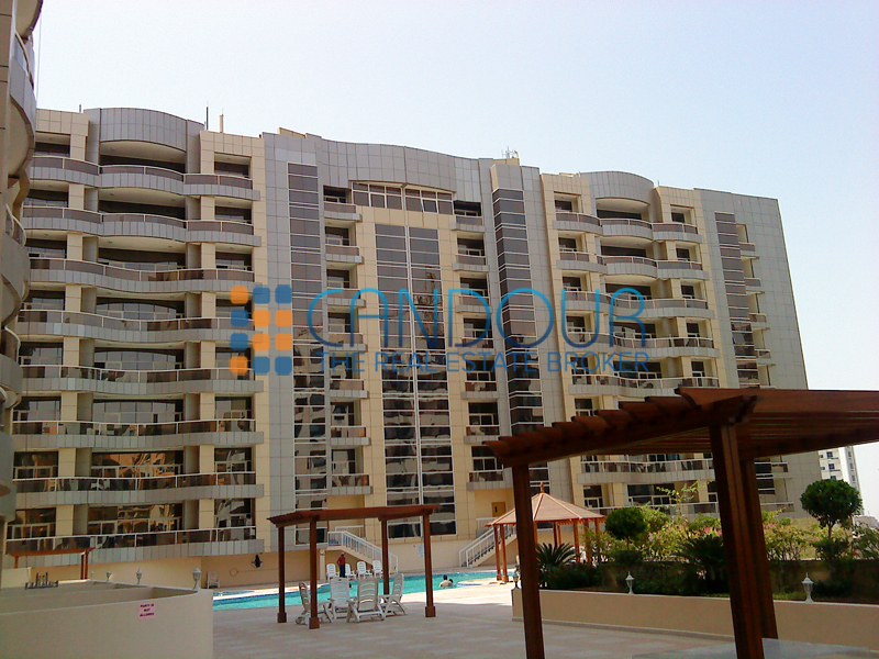 Huge 1 Bedroom Apartment in Silicon Oasis