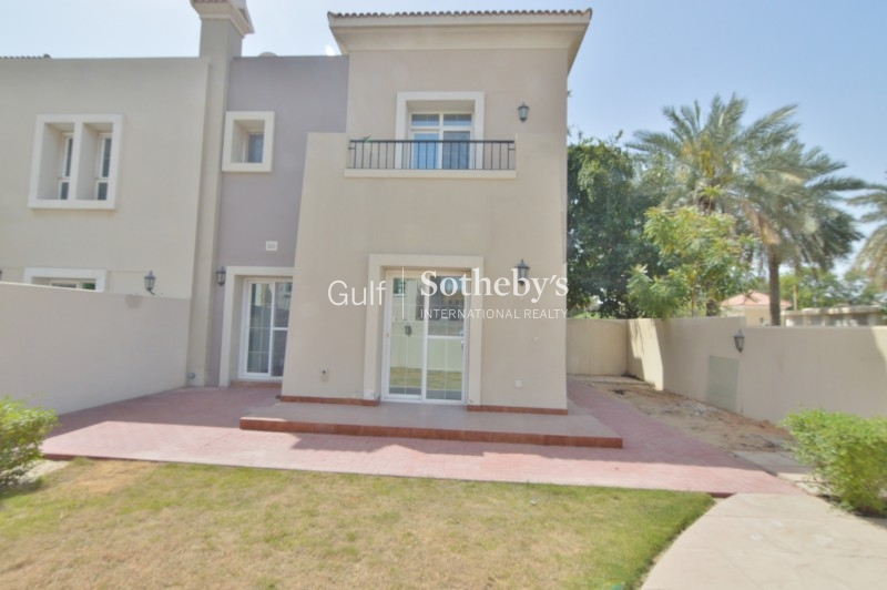 Huge 2 Bed Apartment With Private Garden Er R 11043