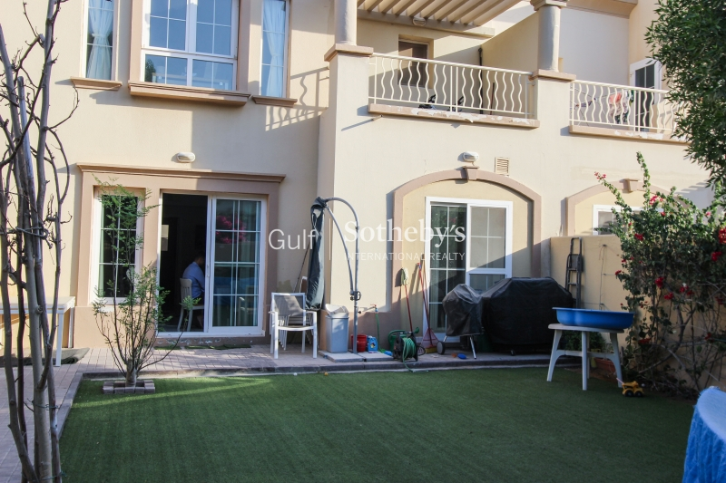 Extended 3br Villa Close To Pool And Park