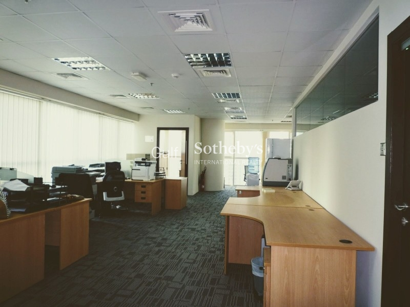 Well Presented Fitted Office In Jlt