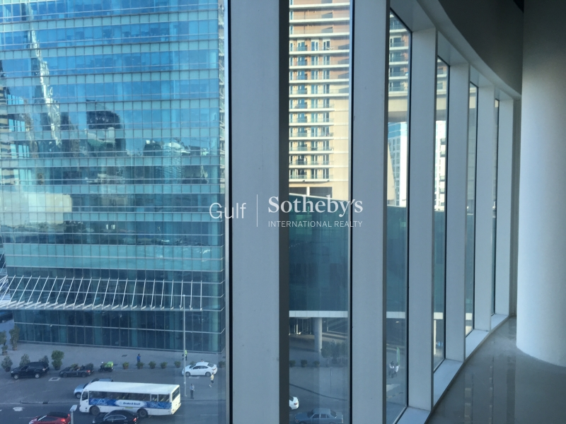 Glass Partitioned Office In Business Bay