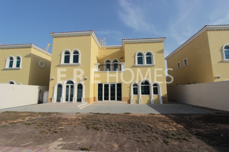 Amazing Three Bedroom Villa With New Full Landscaping Er R 11815