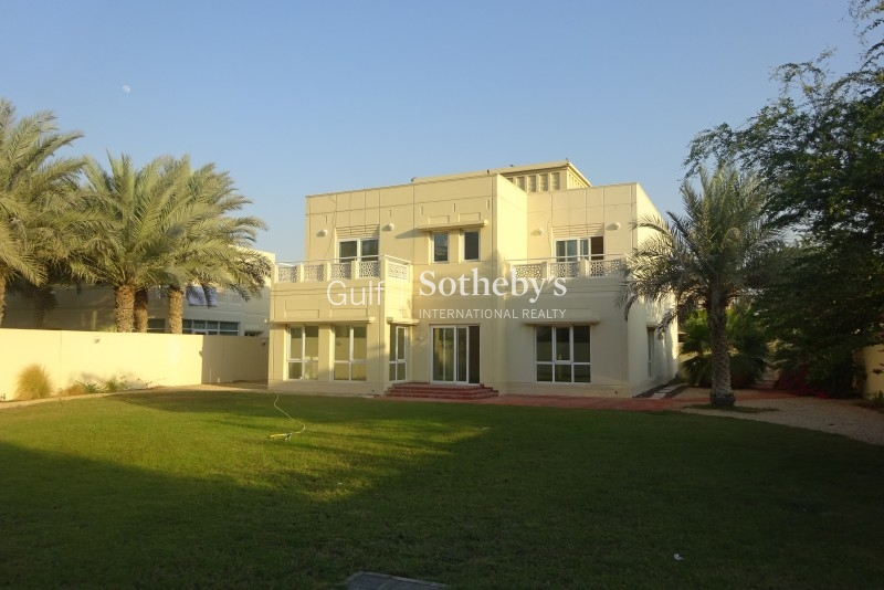 Great Villa. 5 Bed With Pool With Large Plot Er R 13603
