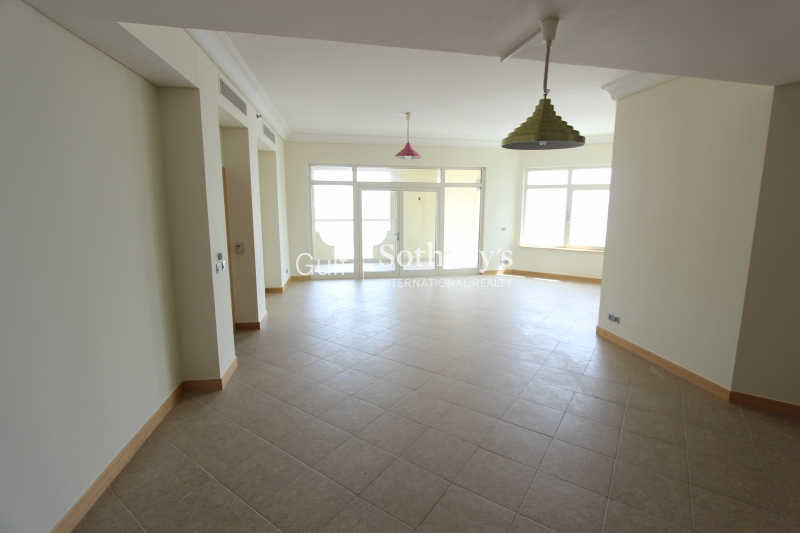Immaculate 3br Apartment With White Goods