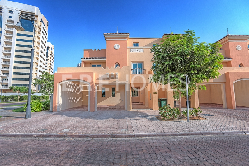 Beautiful Oliva Townhouse With 4 Bedrooms And Maids Room