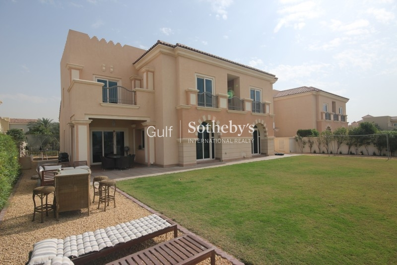 Stunning B1 5 Bed With Golf Course Views