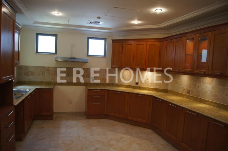 Fully Furnished, 2 Bed, Marina View, Bay Central, 165,000 Ref: Er-R-4428