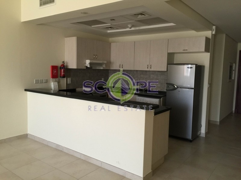 Dubai Sport City Mediterranean Building One Bedroom Semi Furnsihed For Rent