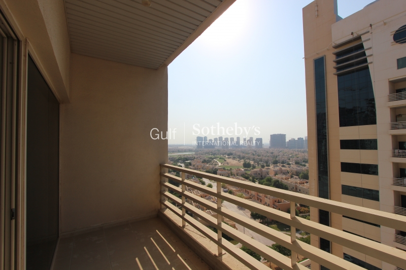 2br With Golf Course View In Olympic Park 4