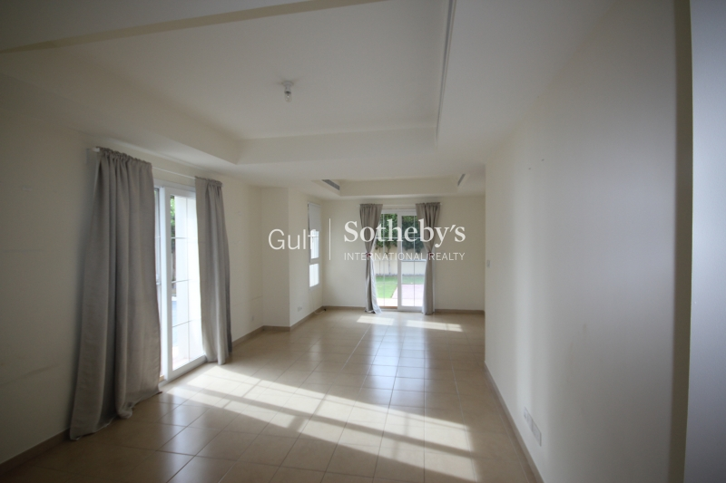 Beautiful And Best Priced European Central Gallery Signature Villa Palm Jumeirah Er S 2116