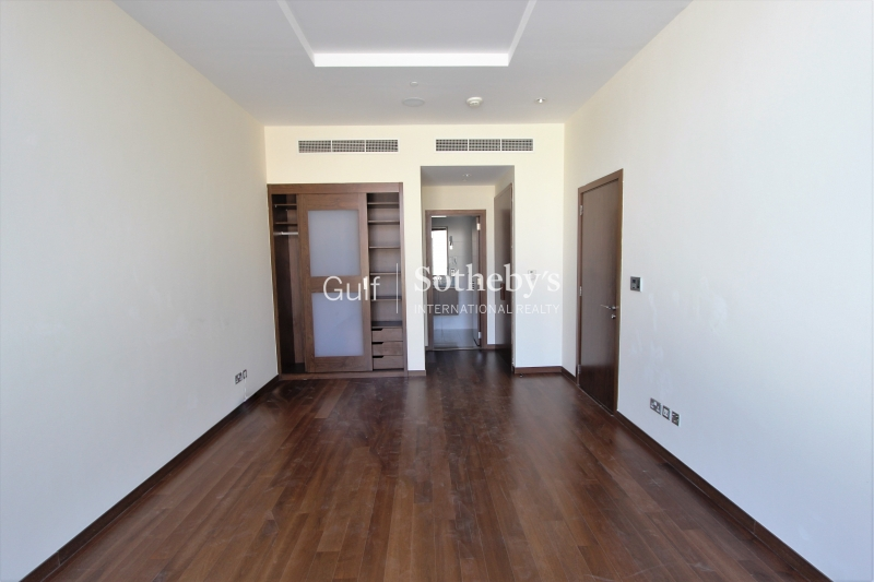 Beautiful 1 Bedroom-Mid Floor-Vacant