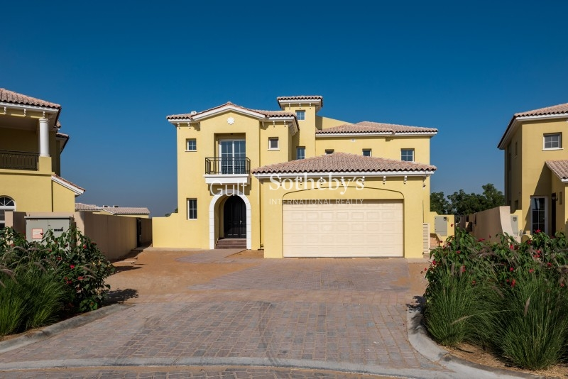 4 Bedroom Villa with Earth Golf Course View