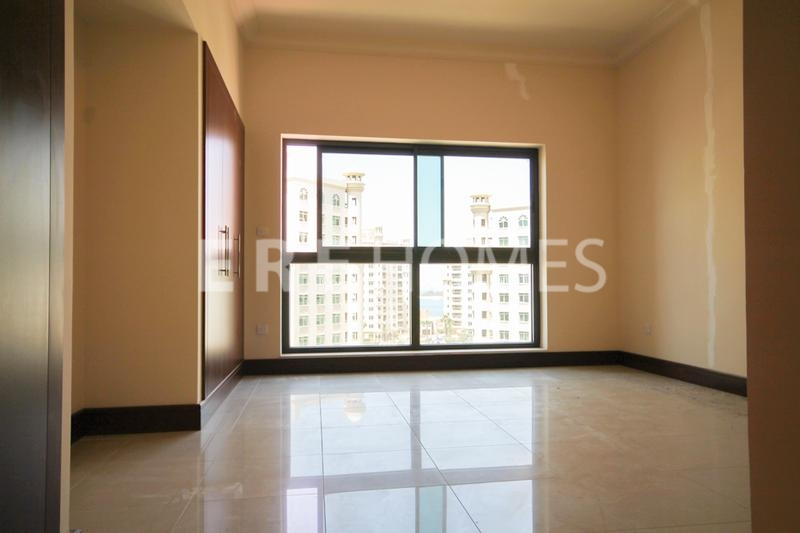 2 Bedroom D Type Golden Mile Available Now Er Er 10831