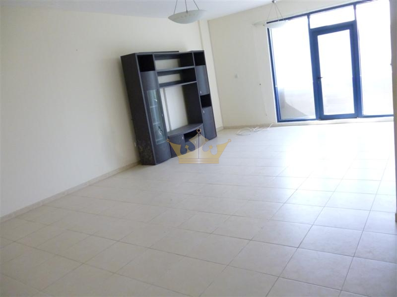 Spacious 2 bedroom at Al Mina Road for rent.