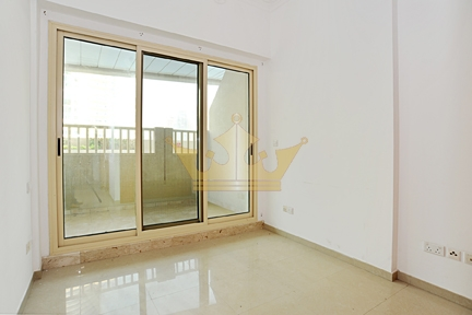 One Bedroom in Pool Level with Huge Terrace, Near Metro