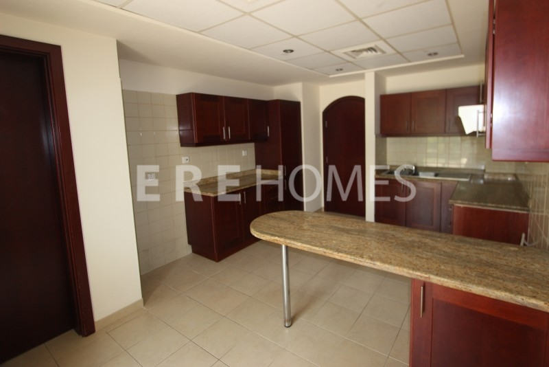 3 Bed Duplex In Cayan Tower With Panoramic Views Of Marina. Er S 4416