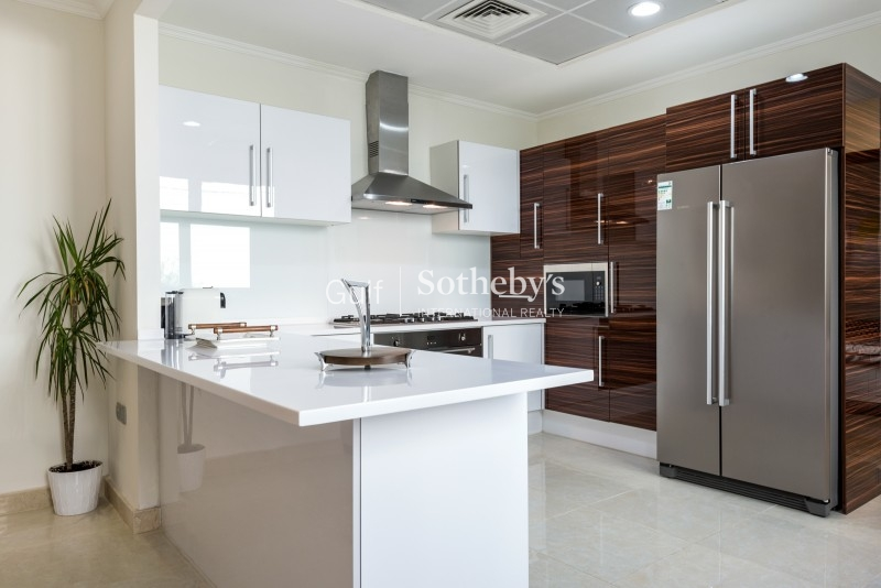 Bright 3 Bed Plus Maids And Study, 2 Parking Spaces, Pool, Community, Partial Burj Khalifa View Er S 5098