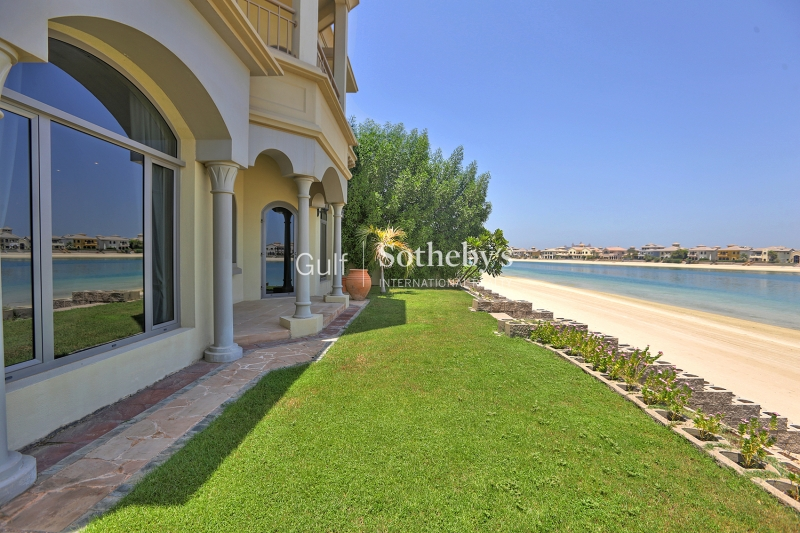4 Bed Central Rotunda Garden Home Villa