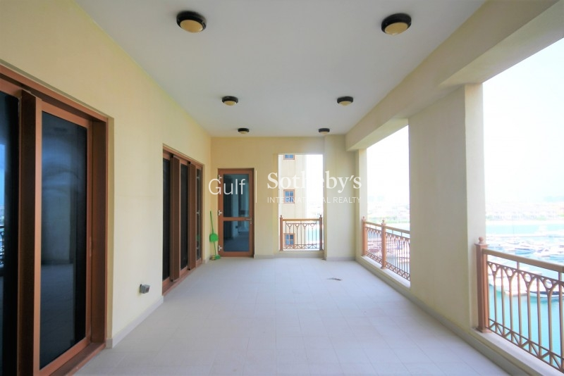 High Floor Sea View 3 Bed Unfurnished