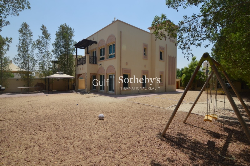 Gorgeous 2 Bedroom Villa Available Now