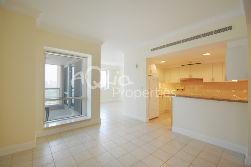 For Rent 1 Br Apartment Plus Study In Emaar 6