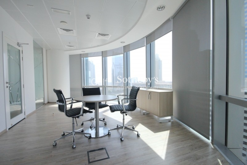 Beautiful Spacious Fitted Office In Difc