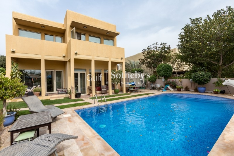 Private Type 8 Villa With A Pool And Vot