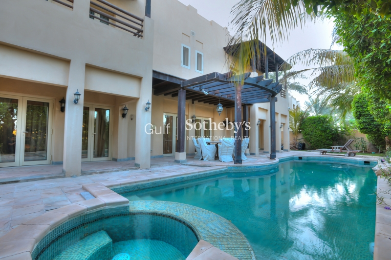 Upgraded-5 Bedroom Villa-L1 Hattan
