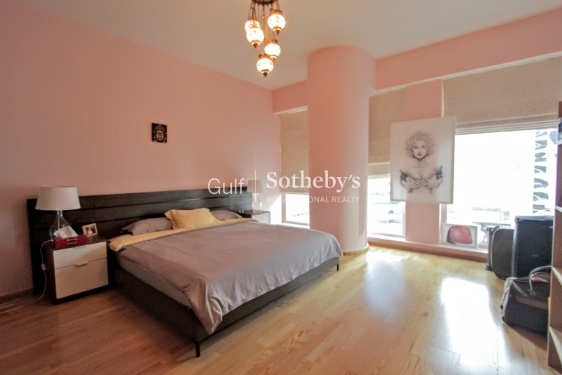 Fully Furnished 3 Bed Loft, Princess Tower