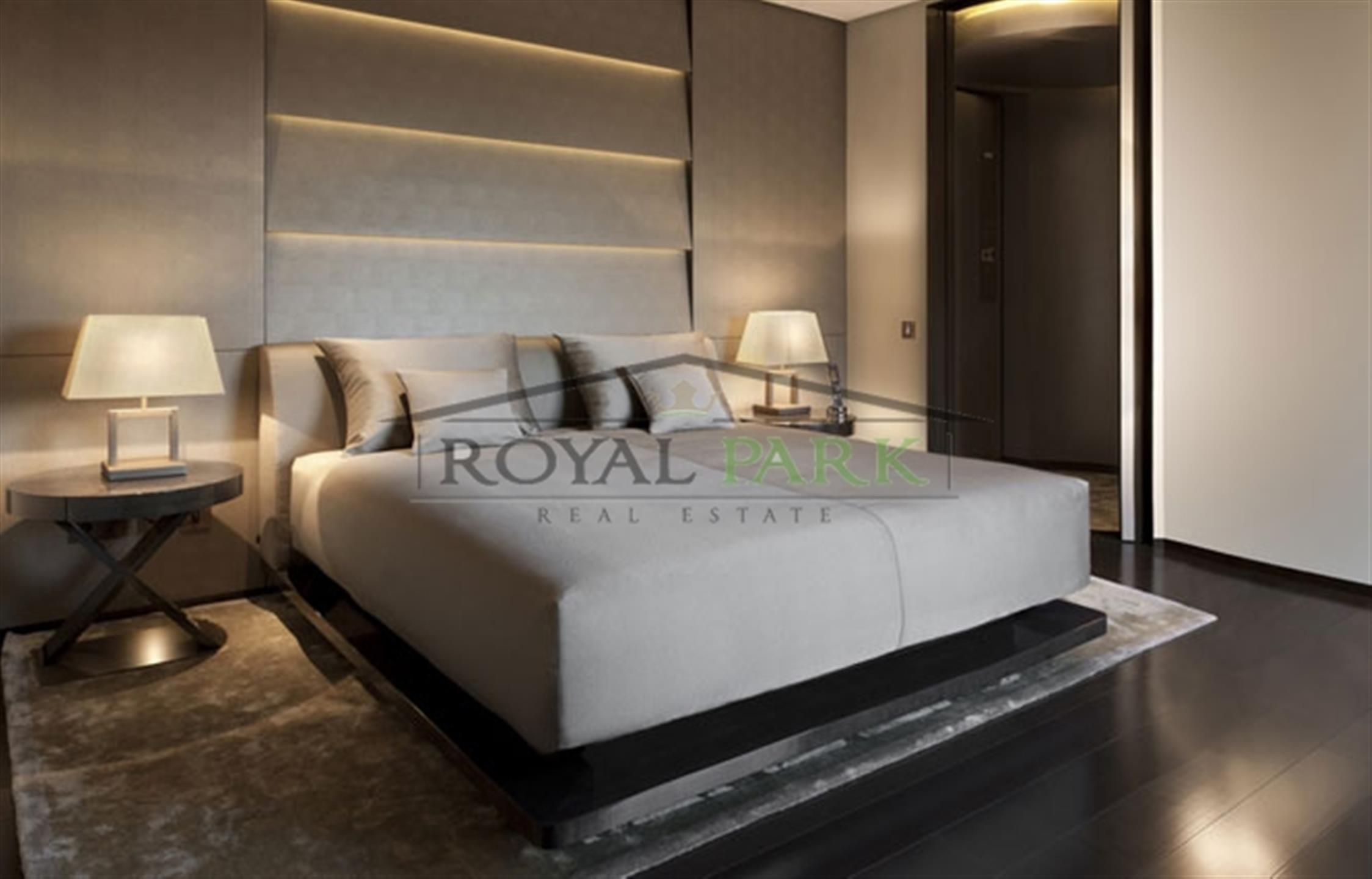 Luxury 1 B/r Armani Hotel Apartment In Burj Khalifa