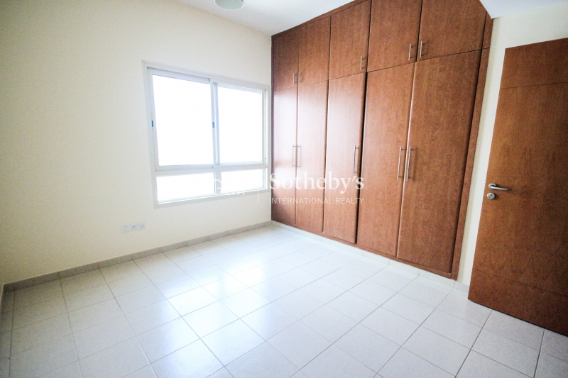 Villa 5 Br Plus Driver'S And Maid'S Rooms Unfurnished High Number Great Rotunda, Palm Jumeirah Er R 9599