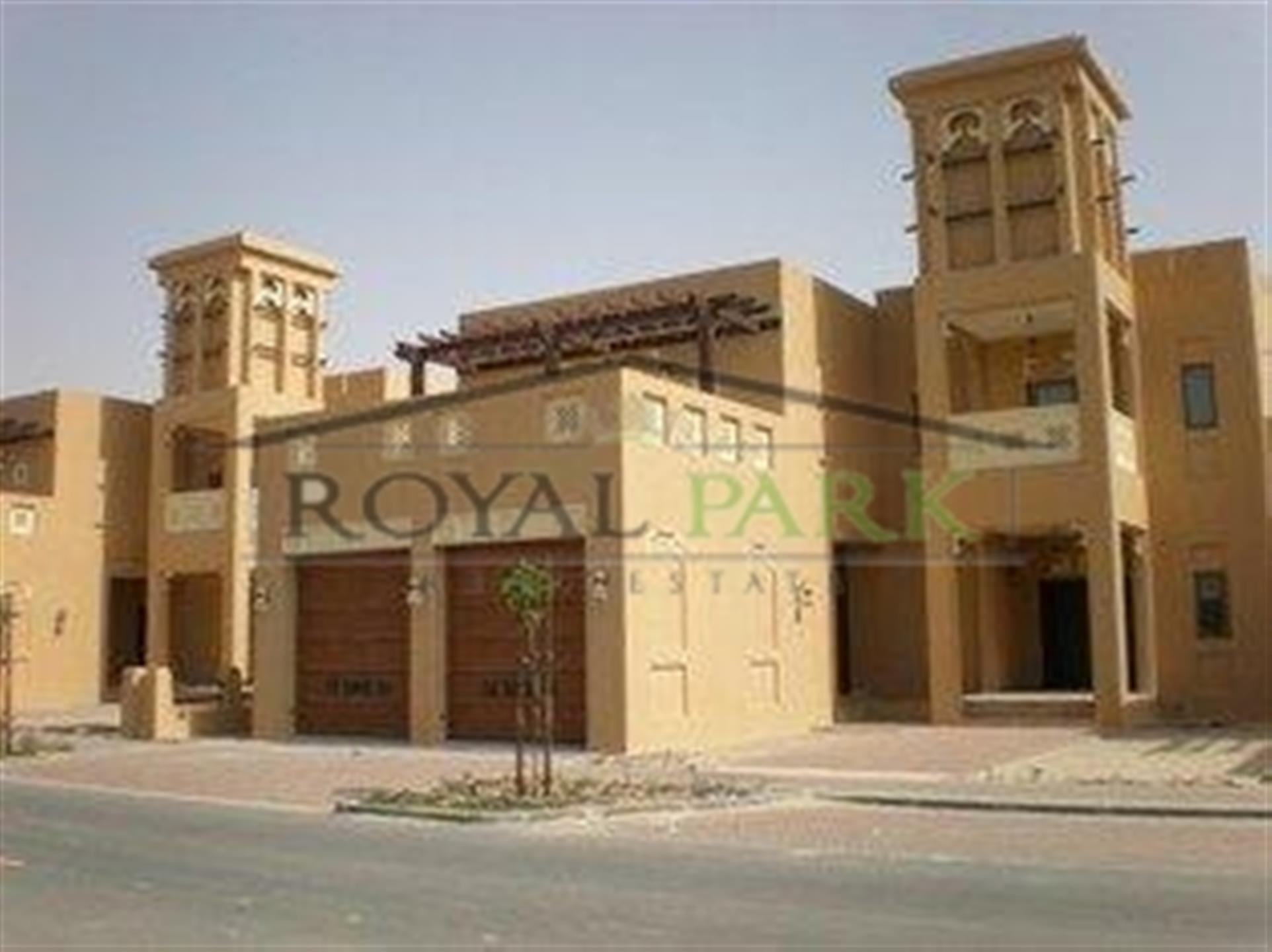Villa For Sale In Jumeirah Golf Estate