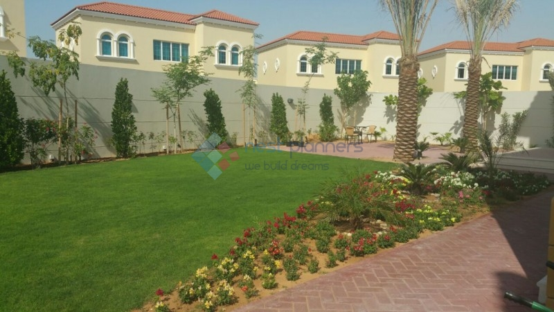Huge Plot - Amazing Price- 4 Bed Legacy Villa in Jumeirah Park