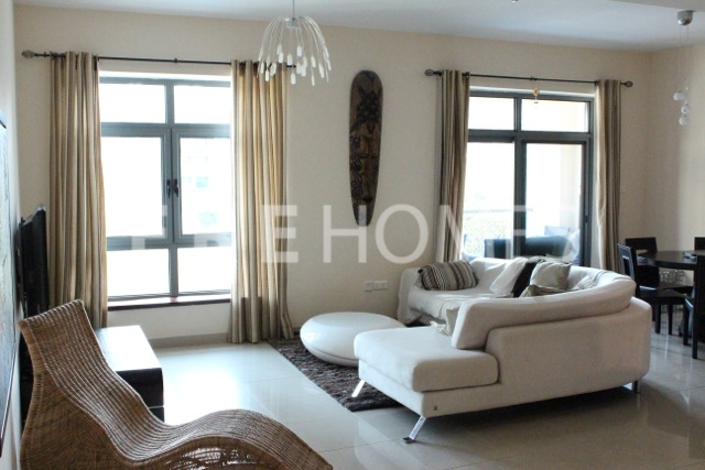 Well Maintained 2br Apartment With Stunning Canal Views! Er R 15878