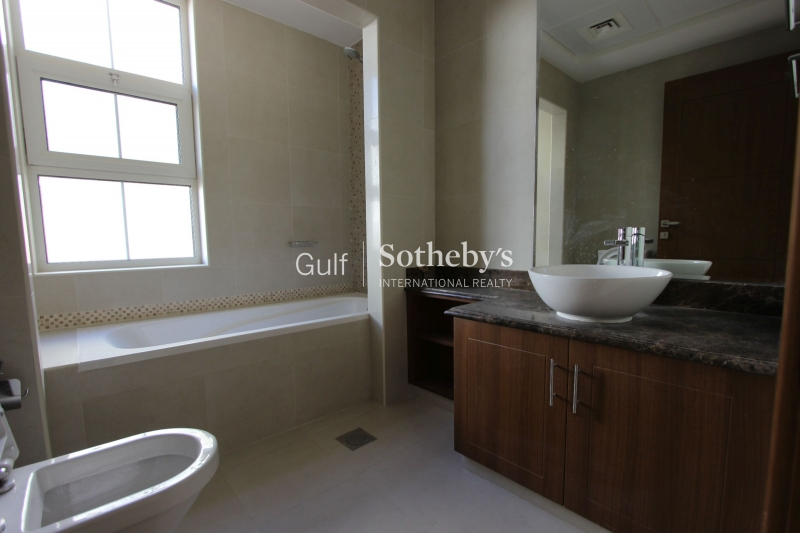 3 Bedroom Townhouse In Hayat Town Square