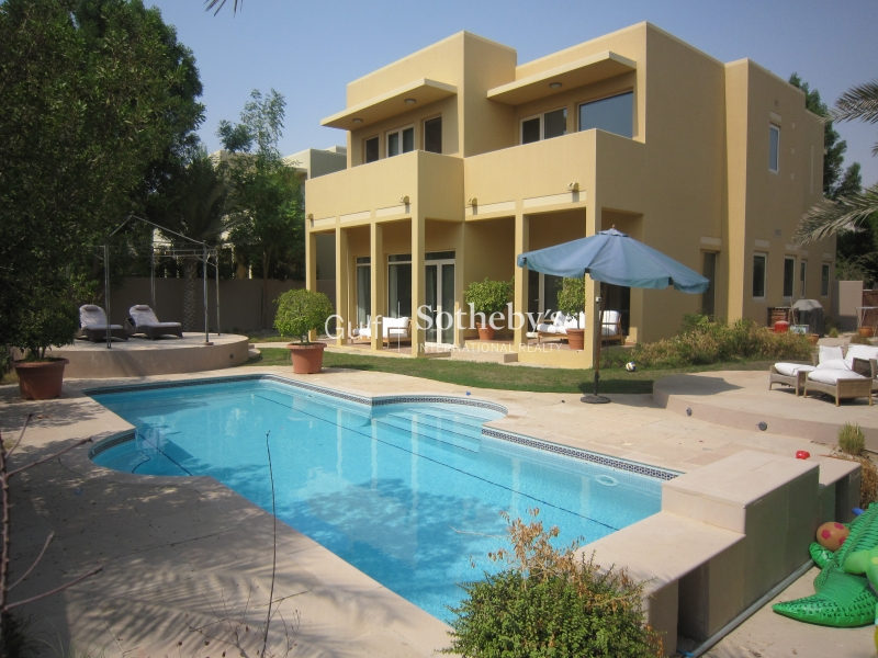 Park Backing-Private Pool-Available