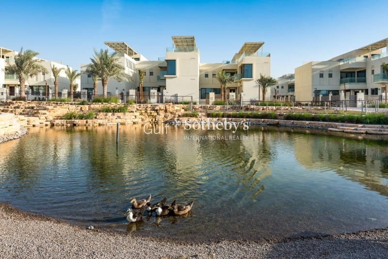 Breathtaking Burj Khalifa View, Spacious 2 Bedroom In South Ridge Er R 9636