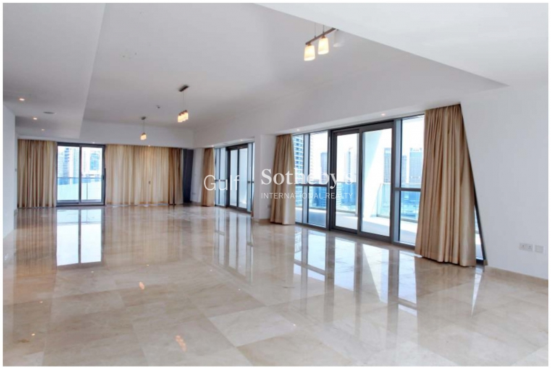 Full Floor Penthouse With Great Views