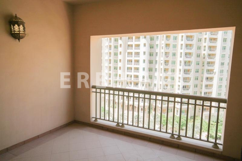 Palm Jumeirah Brand New 2 Bedroom Plus Maid C Type In Golden Mile With Full Sea View Er R 9187